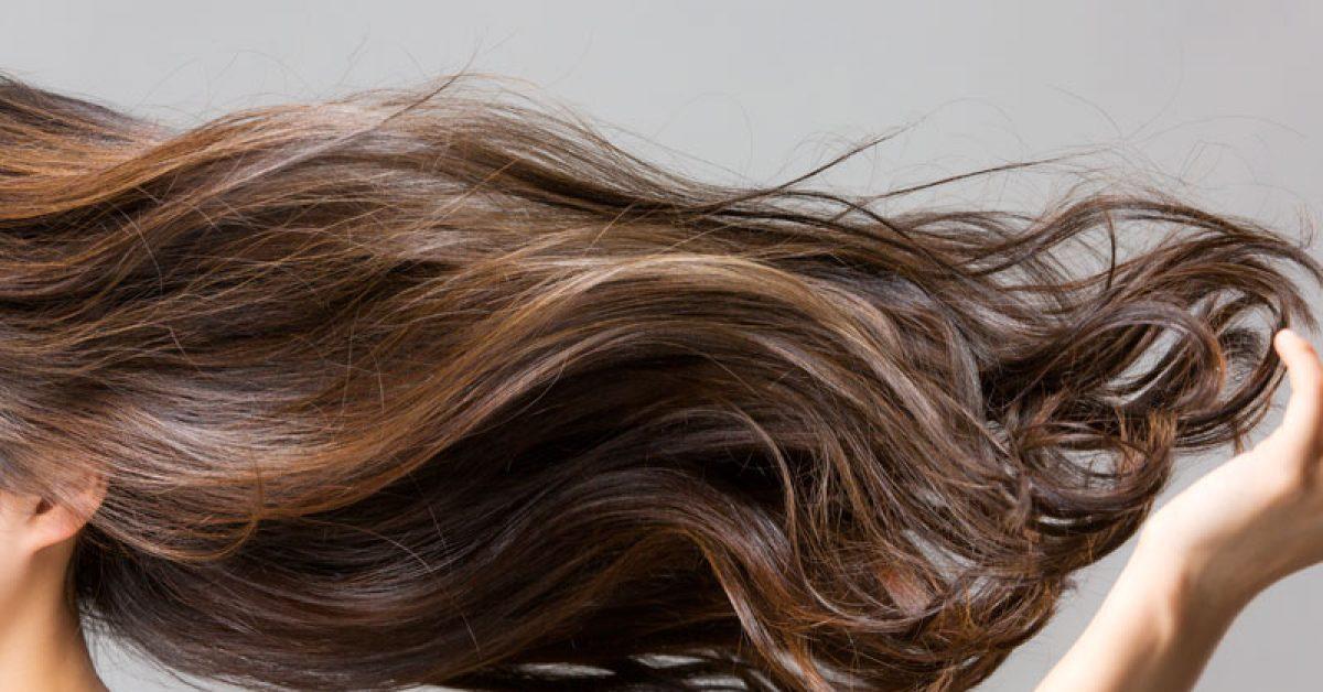 5-astuces-pour-des-cheveux-qui-sentent-bon-1