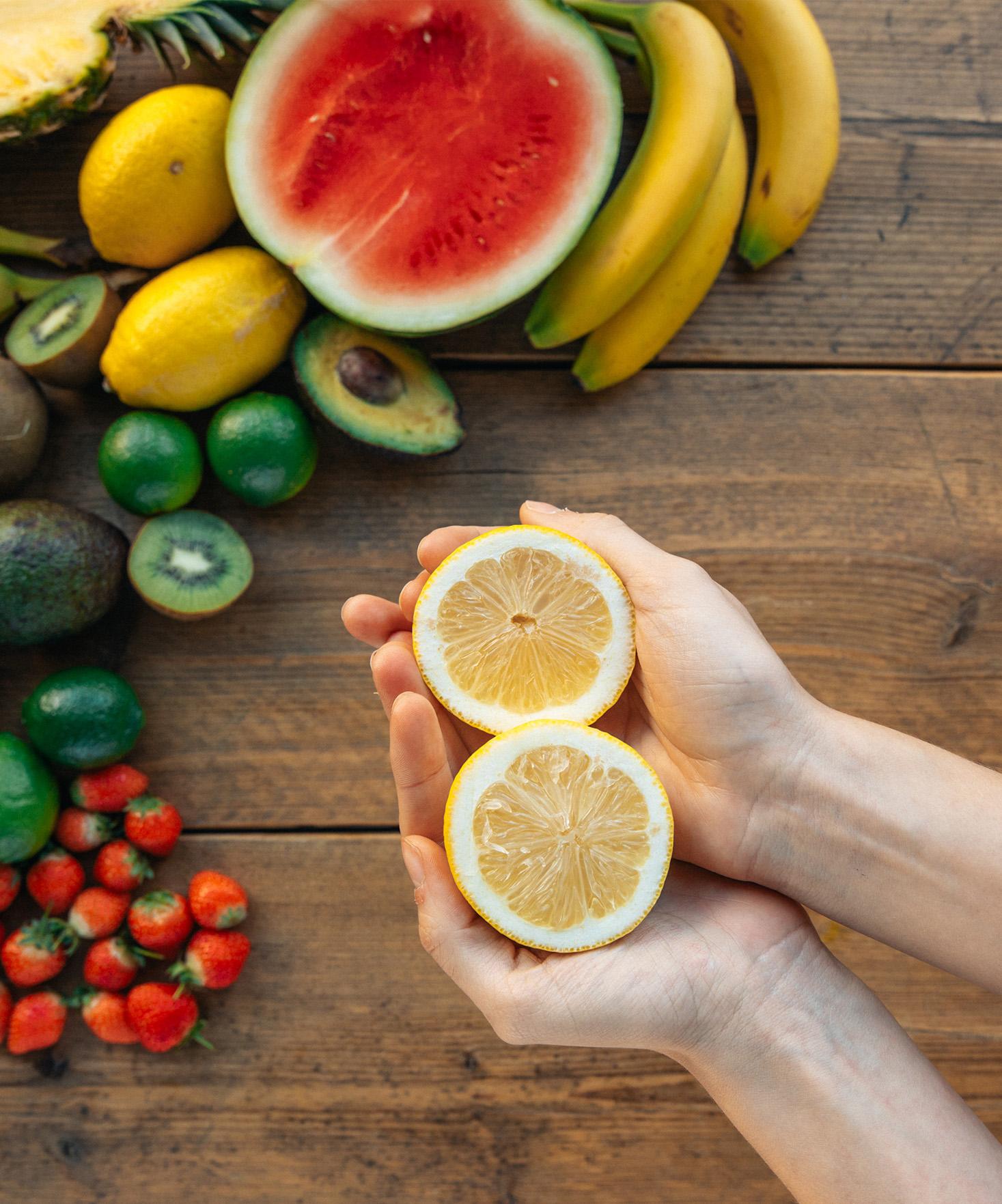 3 astuces pour utiliser des pelures de fruits et légumes